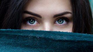 30代40代もカラコンを使いこなす時代!自然な目の輝きを演出しよう!