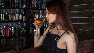 30 代 40 代のアルコールとの上手な付き合い方。おつまみ選びもスマートに!